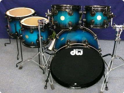 Dw / DW Collector's Laquer Specialty Drumset / 2012 / Regal Blue To Black Burst /