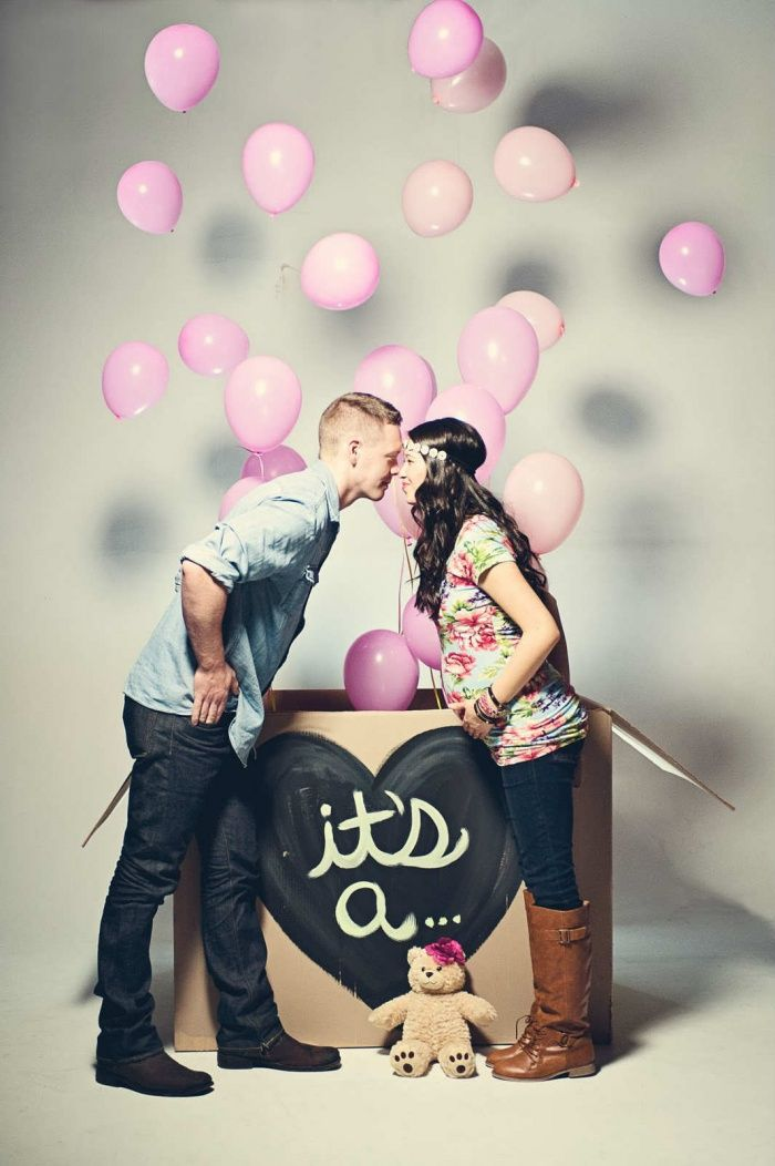 10 Adorable Gender-Reveal Pic Ideas for Expecting Couples  (No, I'm not pregnant now, so don't get excited lol)