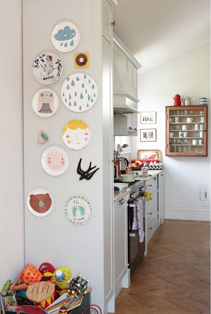 DIY: PLATES AS WALL ART | THE STYLE FILES
