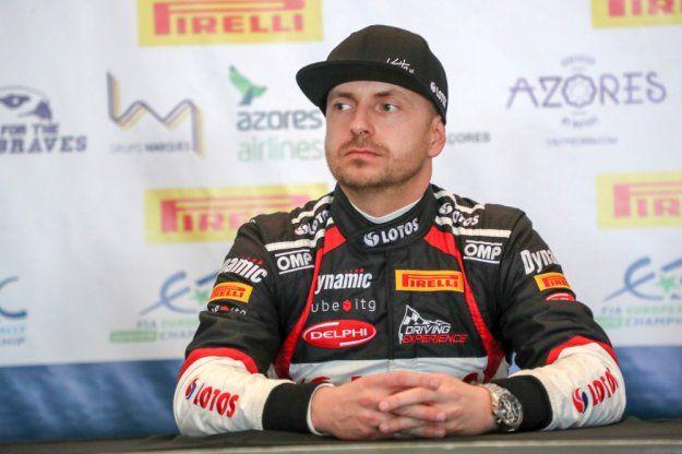 ERC powraca, polski kierowca @Kajto_pl broni tytułu https://www.moj-samochod.pl/Sporty-motoryzacyjne/Kajetan-Kajetanowicz-otwiera-nowy-sezon-ERC-zwyciestwem #fiaerc #AzoresRallye