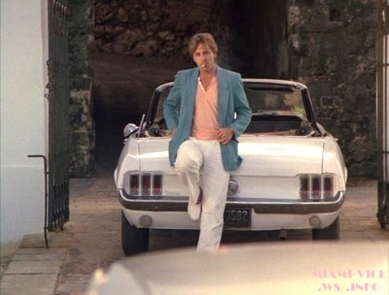 miami vice sonny crockett don johnson leaning on a mustang. Black Bedroom Furniture Sets. Home Design Ideas