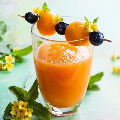 Smoothie mit Honigmelone und Leinsamen