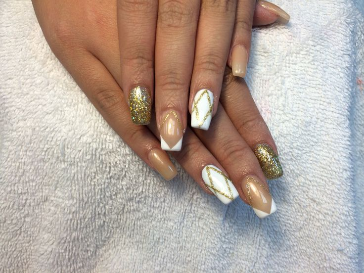 #Beautiful #nails. #White #gold #nude