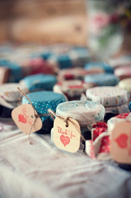 Country chic homemade jam favors | Photo by http://jarushabrown.com