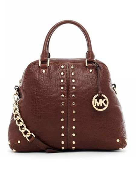 Natural canvas mixed with #michaelkors #handbags #bags is one of the best combinations ever. Sporty, super practical and totally sexy!