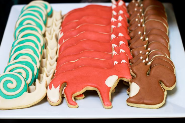 The inspiration for the party came from Ikea's woodland creature cookie cutters. I love the way they turned out, but I am not patient enough to work with royal icing more than once a year.