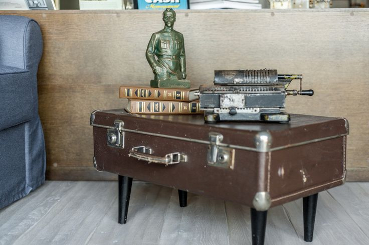 Чемодан + 2 железных Феликса #комодики бывают разные :-) Стол-комод своими руками. #DIY