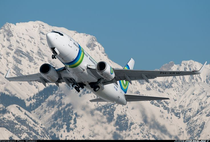 Airliners.net - A Transavia Airlines 737-700 departing Innsbruck. Paul Massey.