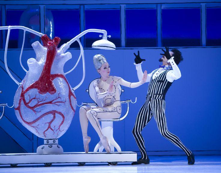 Meer dan een illustrator. Over Rintje verscheen wekelijks een verhaal op de kinderpagina van het NRC en zelfs een theatervoorstelling. Posthuma's passie voor theater uitte zich door de ontwerpen voor decors en kostuums, die hij maakte voor Het Nationale Ballet. Hij ontwierp de kinderpostzegels van 2000 en de kerstzegel van 2013, maakte animatiefilms voor Sesamstraat en affiches voor Amnesty International en de dierenbescherming.