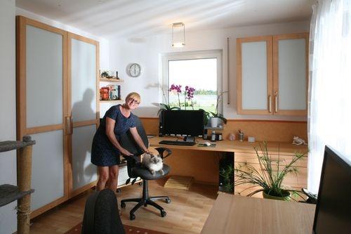 Das Catlux Büro mit der namensgebenden Katze und der Chefin Christine Meier-Reichel http://nhblog.de/nb_catlux/
