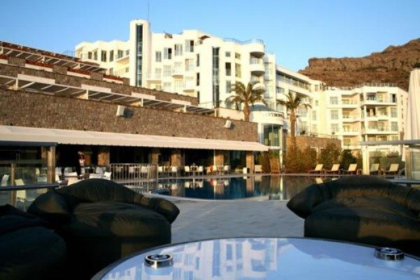 Bodrum Karaca Resort Deluxe Hotel hakkında detaylı bilgi, ekonomik erken rezervasyon fırsatları ve konaklama seçenekleri için 0256 612 6600 ı arayın.