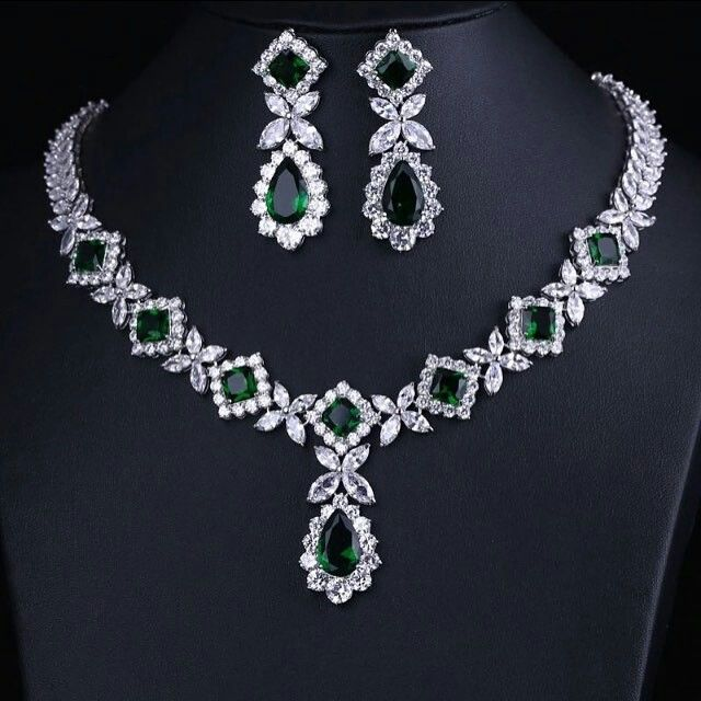 @sharm_jewell. Jewellery set