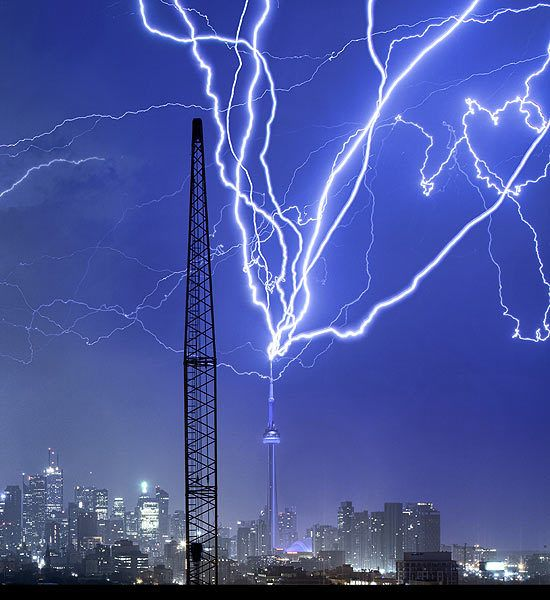 In August 2011, Canadas CN Tower was repeatedly struck by lightning during a 30-minute thunderstorm. Photographer Richard Gottardo captured this shot using a 20- to 30-second exposure