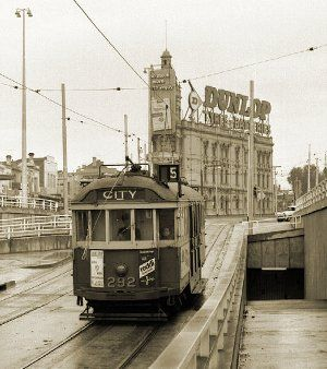 M&MTB W2 No 292 at St Kilda Junction, 30 August 1969. Photograph courtesy Mal Rowe.