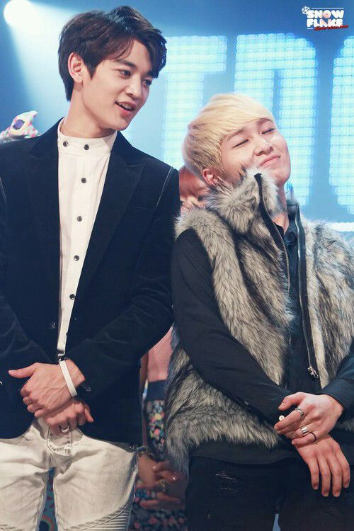 Minho & Onew an adorable bromance