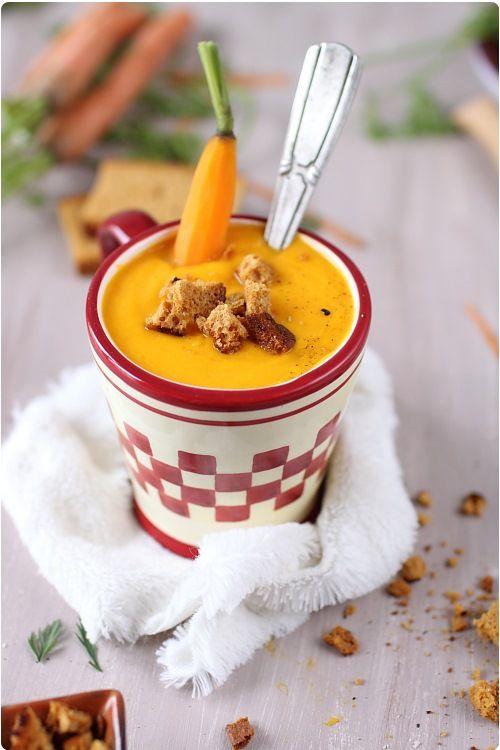 Velouté de carottes au lait de coco et croûtons de pain d'épices   chefNini