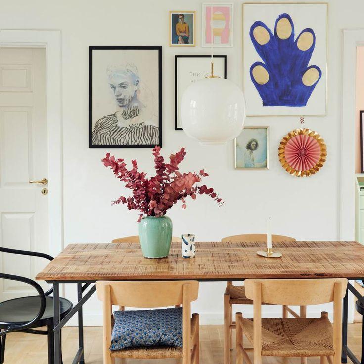 Pasteller, kunst og sjove souvenirs dominerer Tikkie og Mads Elsøes lyse lejlighed på Frederiksberg, hvor den eneste regel er, at det skal være sjovt at indrette.