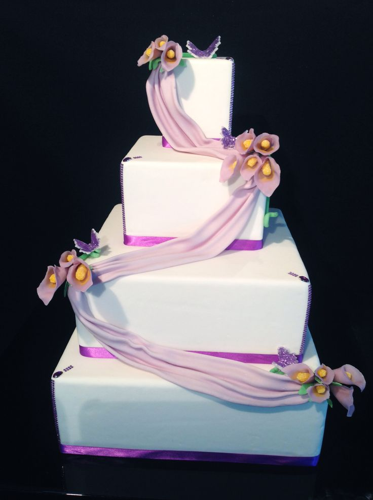 Wedding cake with violet callas
