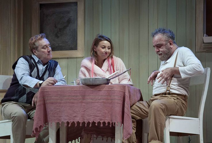 Giobbe Covatta, Enzo Iacchetti e Gisella Szaniszlò in MATTI DA SLEGARE; foto di Angelo Redaelli