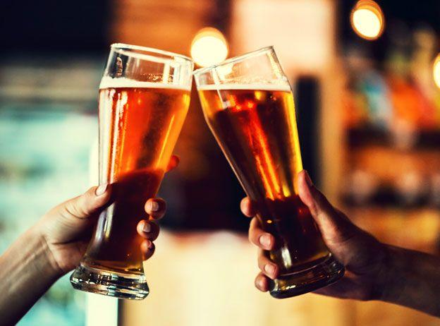 Los beneficios de beber cerveza en verano