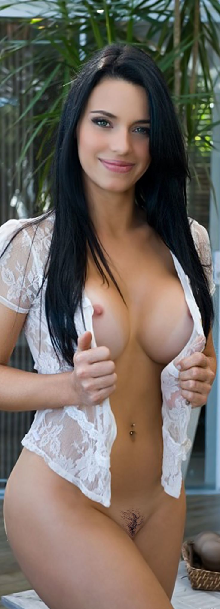 Saudi sexes girl big boobs photo