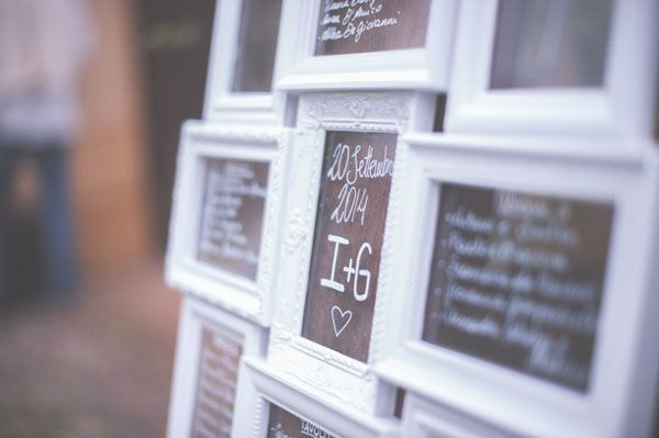 vintage frames seating chart // photo: the sweet side