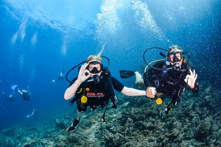 Dykning på Koh Haa i sydöstra Thailand, nära Koh Lanta.