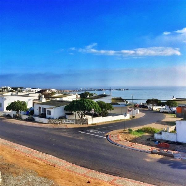 Sea Castle - Sea Castle offers self-catering accommodation in a modern loft apartment. The apartment offers stylish living with a West Coast design.The spacious, open-plan apartment sleeps two adults. It has a comfortable ... #weekendgetaways #paternoster #westcoast #southafrica
