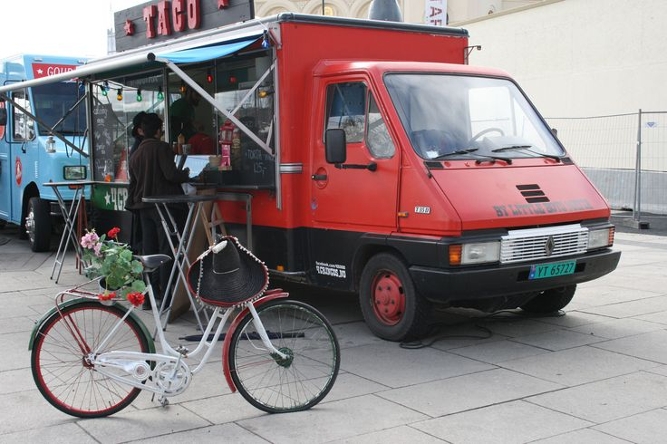 The food trucks culture in Oslo is still very new, but also rapidly developing. Oslo has allowed allocated spots where the trucks can stand.