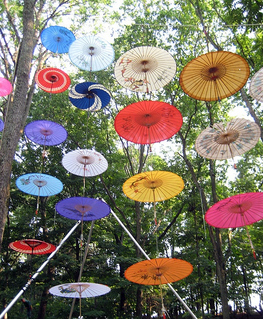 .Floating in the air Parasols.