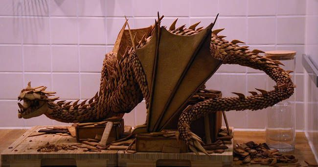 Un_gâteau_en_forme_du_dragon_de_The_Hobbit_4