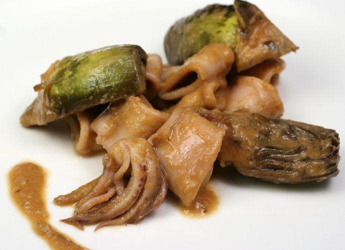 Alcachofas con chipirones para #Mycook http://www.mycook.es/cocina/receta/alcachofas-con-chipirones
