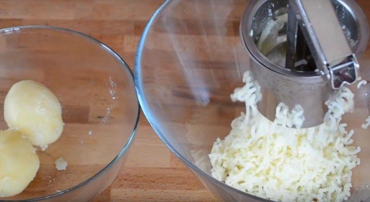 Den här spanska potatisomeletten är så enkel att göra ... och så god!