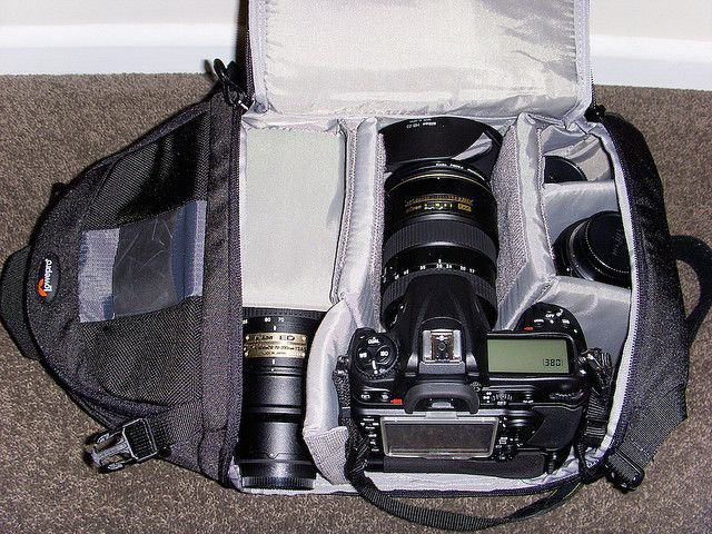 What can you fit in @Lowepro Bags Bags Bags Slingshot 200 AW