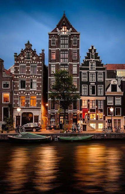 Amsterdam, capital de los Paises Bajos.