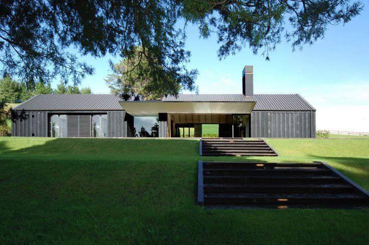Matakana House | McKinney + Windeatt Architects » Archipro