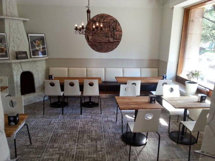 CorrettoDeli & Cafe on Töölössä sijaitseva kahvila, ravintola ja herkkukauppa. Töölönkatu 1