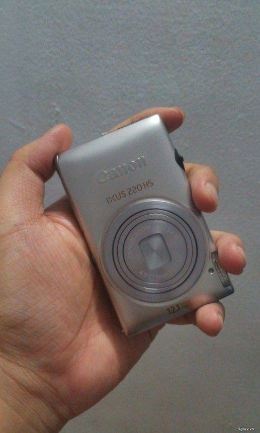 Cần bán máy ảnh KTS Canon IXUS 220HS màu bạc