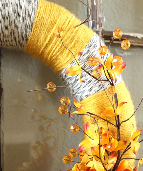 lovely gray and yellow wreath...my fav color combo of the moment!!