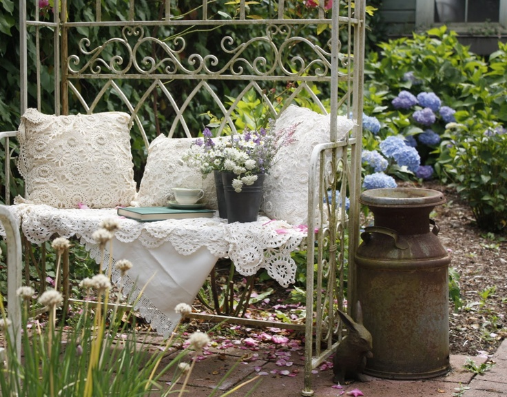 1000 images about romantic victorian decor on pinterest for Decoration jardin shabby