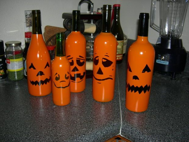 Best 25 wine bottle lanterns ideas on pinterest diy for Glasses made out of bottles