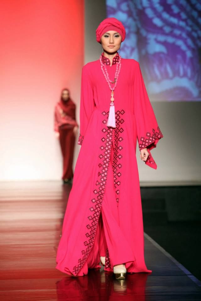 Islamic Fashion Week 2013