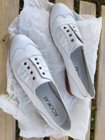 KOOKAI Chaussures à lacets http://www.videdressing.com/chaussures-a-lacets-/kookai/p-3968821.html?&utm_medium=social_network&utm_campaign=FR_femme_chaussures_3968821