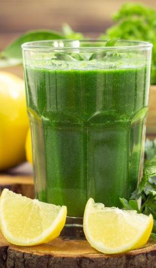 Wypróbuj przepisy na zielone smoothie na każdy dzień tygodnia