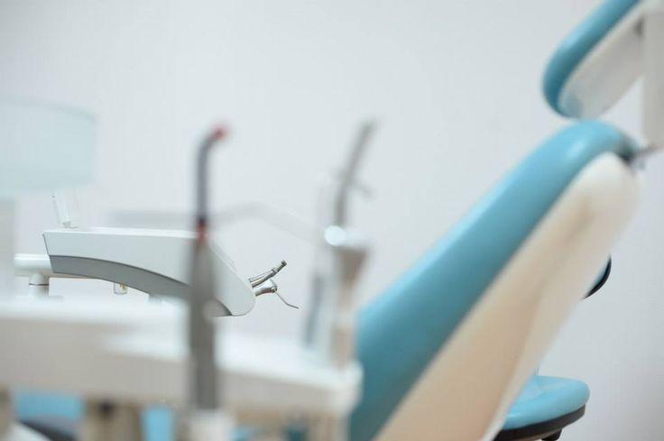 Alla ricerca di cure dentali,  cliniche e dentisti all'estero?Vi invitiamo a vedere il nostro studio dentistico in Romania e contattaci subito!http://www.intermedline.com/dental-clinics-romania/ #clinicadentale #clinicadentaleinRomania #clinicaodontoiatrica #clinicaodontoiatricainRomania studiodentistrico #studiodentisticoinRomania #clinichedentali #clinichedentaliinRomania #turismodentale #turismodentaleinRomania #turismoodontoiatrico #turismoodontoiatricoinRomania