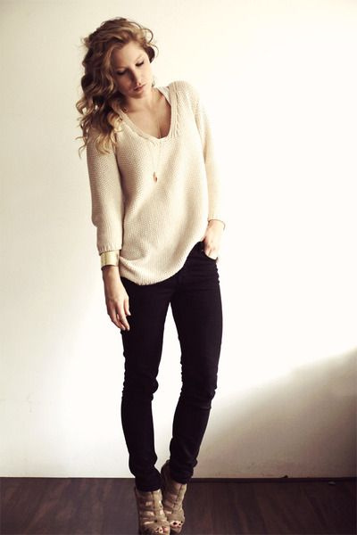 a sweater + black skinny jeans