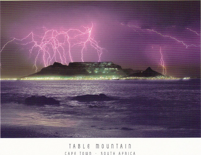 °Lightning over Table Mountain, Cape Town, S Africa