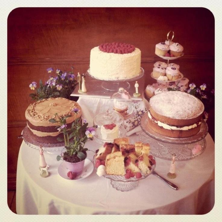 """oder mehrere kleinere kuchen, die auch etwas """"simple"""" sein können. Vowed and Amazed!: A Rock 'n' Roll wedding and more!"""