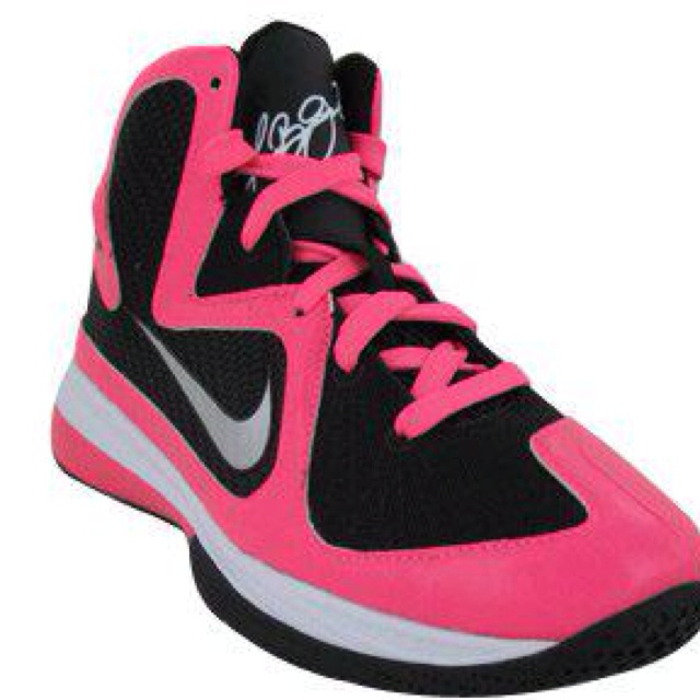 Basketball Shoes!<3