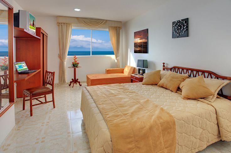 Habitacion múltiple del Hotel Dorado en Cartagena frente al mar